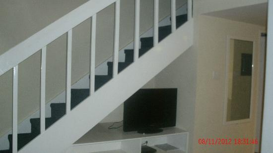 Divi Southwinds Beach Resort: Stairs to bedrooms