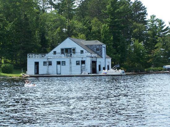 Pike Bay Lodge Image