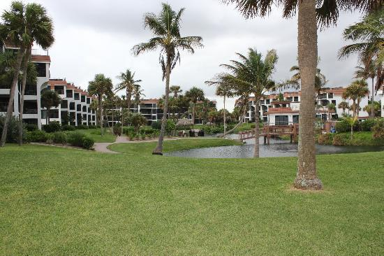 Pointe Santo de Sanibel: The Condos