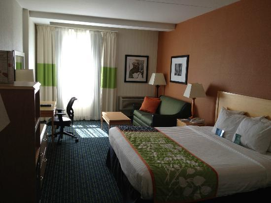 Fairfield Inn & Suites Belleville: Room 202