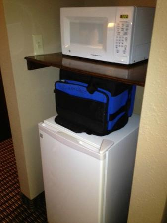 BEST WESTERN Lumberton: Microwave and fridge..