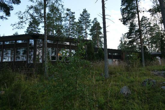 Holiday Center Saimaanranta: Основное здание, окна ресторана