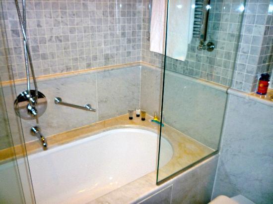 Casa Fuster Hotel: Bathroom