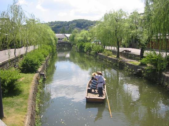 Kurashiki Bikan Historical Quarter: 倉敷美観地区を巡る天領舟