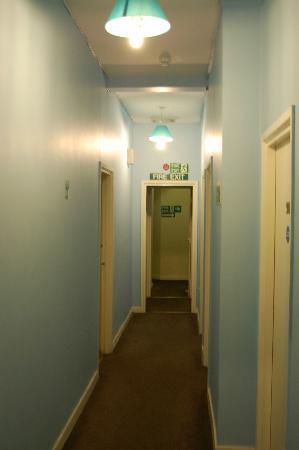 Newcastle Rooms: Der Zimmerflur
