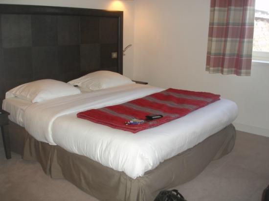Hotel Le Griffon d'Or: Chambre à coucher