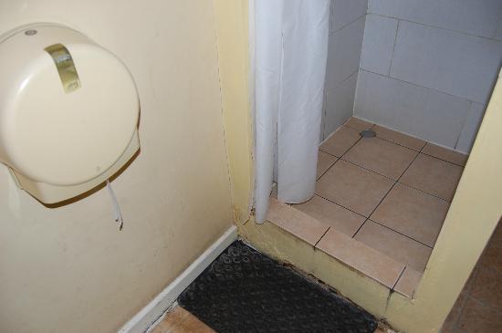 Newcastle Rooms: Die Dusche