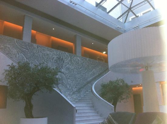 Atrium Lounge Swissotel Bild Von Hyperion Hotel Dresden Am