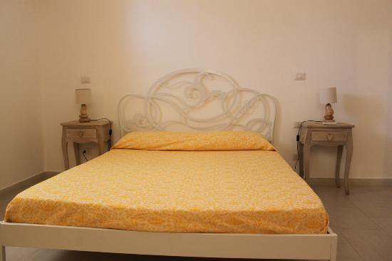 Camera da letto lilla :) - Picture of B&B Nonna Maria, Pescoluse ...