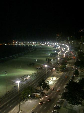 Arena Copacabana Hotel: Vista da cobertura - Noite
