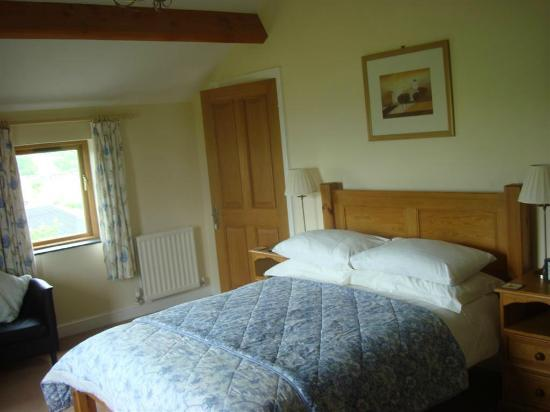Tipperthwaite Barn B&B: Double Bedroom