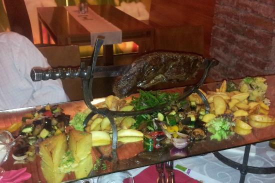 Tulip Restaurant: 1.2 kg steak
