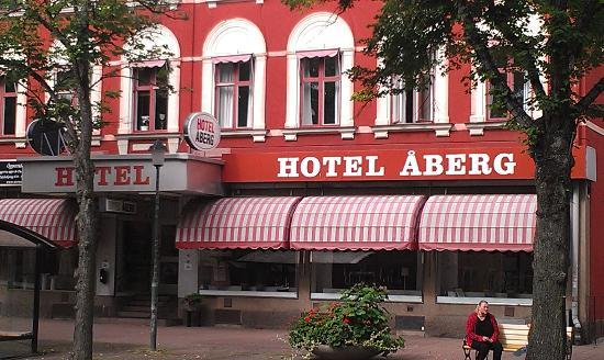 Hotel Aberg: Front of hotel, from Storgatan