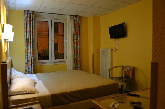 Hotel Mattle : Stanza da letto