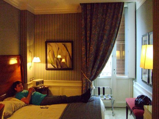 Hotel Stendhal: The room