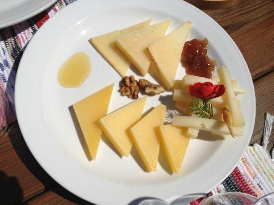 Baita Le Lische: Formaggi con marmellate e miele