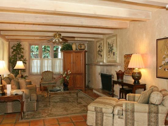 Villa Royale Inn: Room/Suite