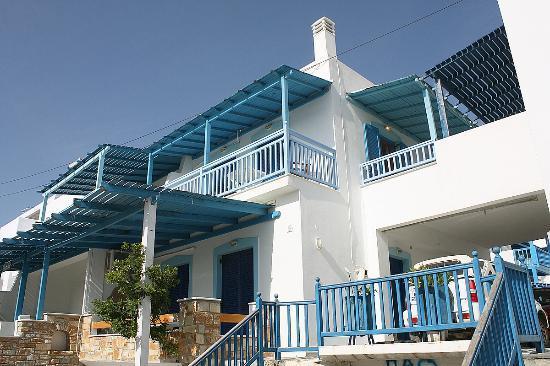 Karabatsis Studios: Hotel