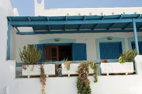 Karabatsis Studios: Balcony
