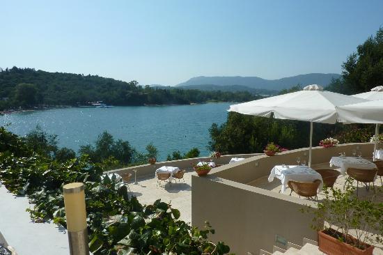 Grecotel Eva Palace: View from pool/restaurant