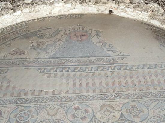 Parque Arqueologico de Carranque : Mosaico dios Océano