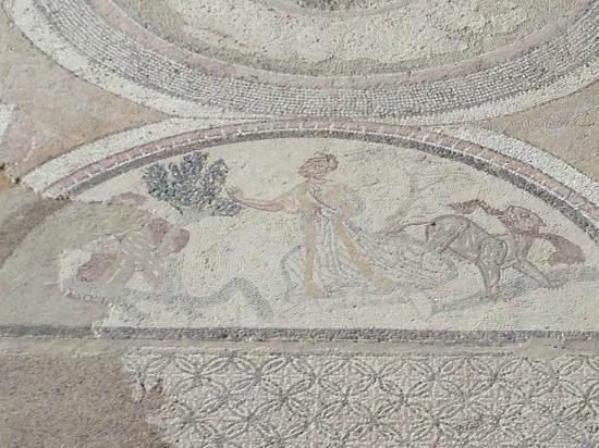 Parque Arqueologico de Carranque : Mosaico con escena mitológiica