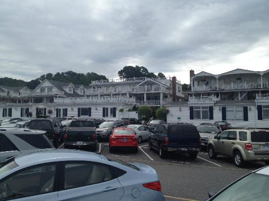 Danford's Hotel & Marina: View From The Parking Lot