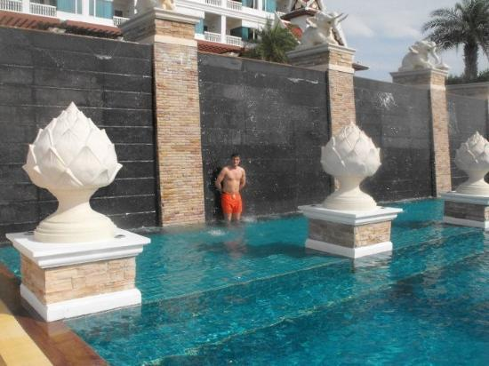 Grand Pacific Sovereign Resort & Spa : piscine enfants