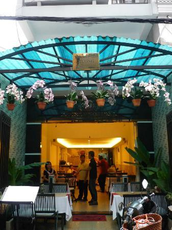 Beautiful Saigon Hotel 2: lobby
