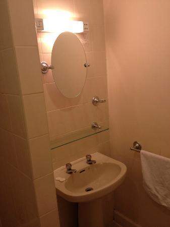 ذا فيكتوريان هاوس: Bathroom