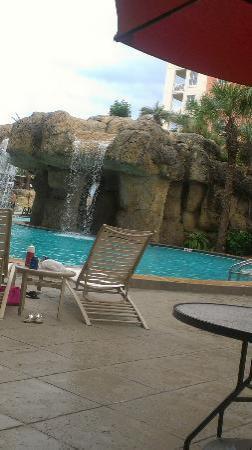 Hampton Inn Jacksonville Beach/Oceanfront: Flinstone pool