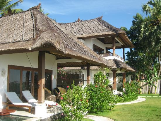 Palm Garden Amed Beach & Spa Resort Bali: Oceanfront Villa