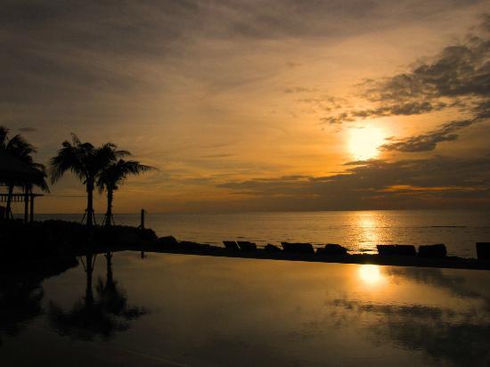 Devasom Hua Hin Resort: Sunrise at 2nd day 5.45am