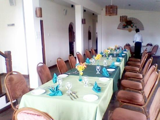 Pello Lake Resort: Restaurant