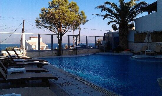 Hotel Areti: uitzicht vanaf het terras.