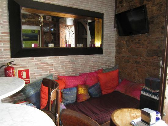 El Asturiano: Hall