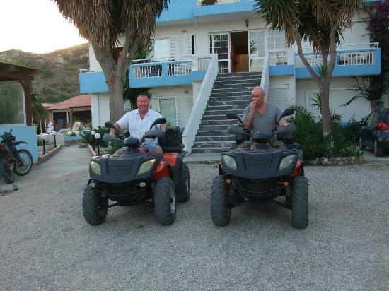 Kamari Bay Hotel: Ian and myself