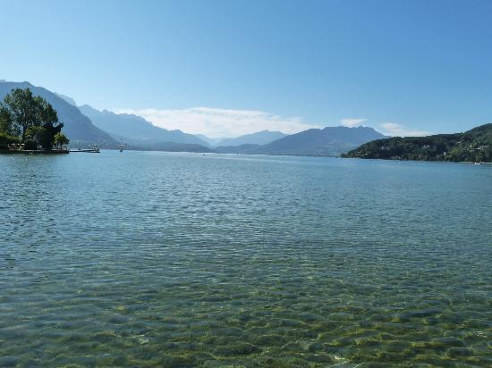 Office de Tourisme du Lac d'Annecy : The lake from Annecy