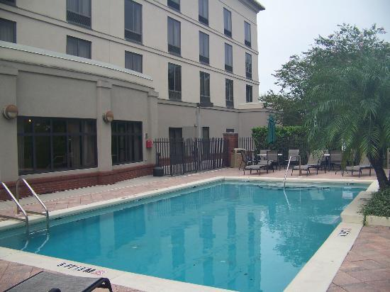 Holiday Inn Express Hotel & Suites - Veteran's Expressway: Pool Area