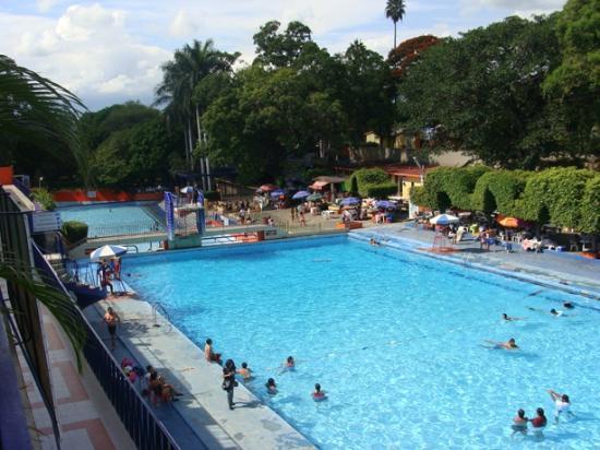 Cuautla, México: Al fondo el trampolin