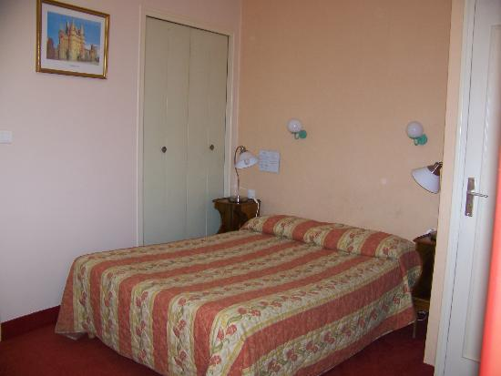 Hotel du Chateau : Our comfortable room