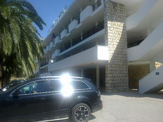Hotel Mediteran Ulcinj: reception, bar & restaurant bldg