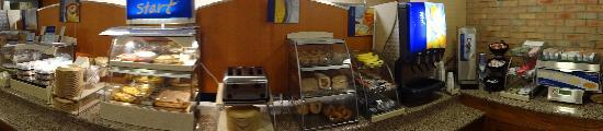 Holiday Inn Express San Antonio Airport: Breakfast bar on 8.11.12