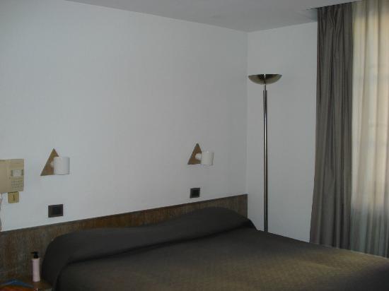 Hotel du Dragon: camera