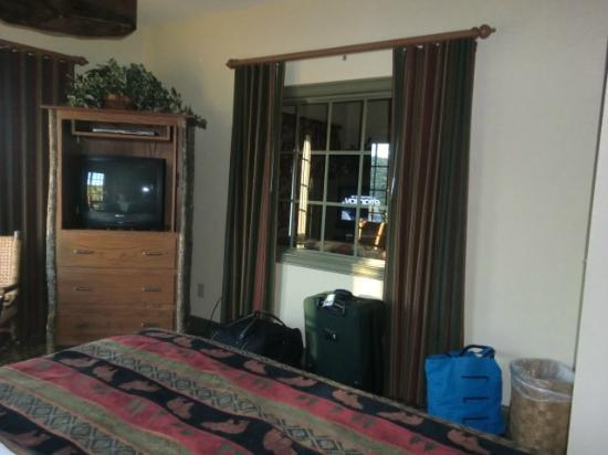 The Wilderness Club at Big Cedar: living room from bedroom