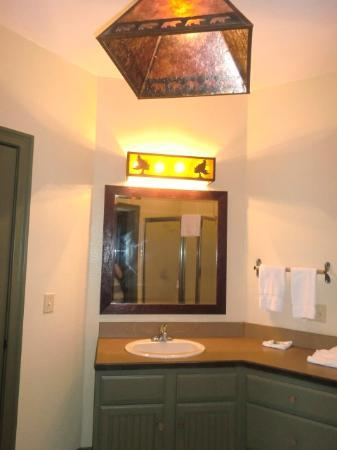 The Wilderness Club at Big Cedar: bathroom