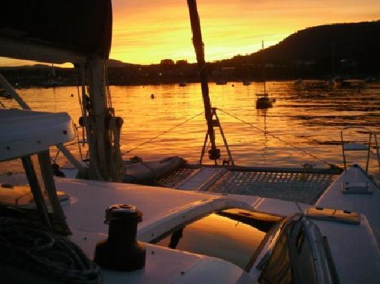 Makana Charters Sunset Dinner Sails: Sunset