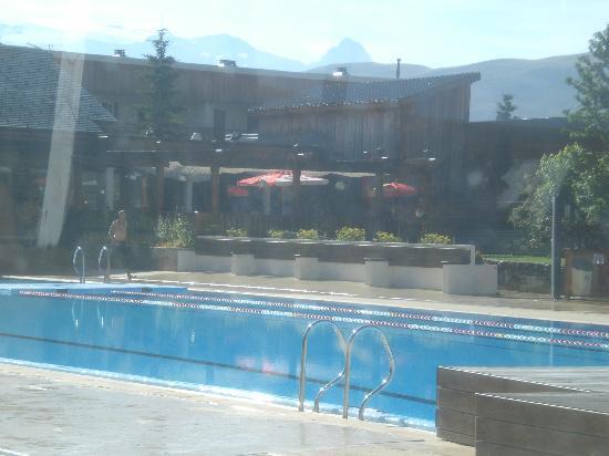 Pierre & Vacances Residenz l'Ours Blanc: piscine exterieure