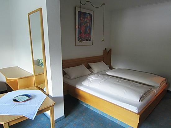 Hotel Wiedemann: Habitación