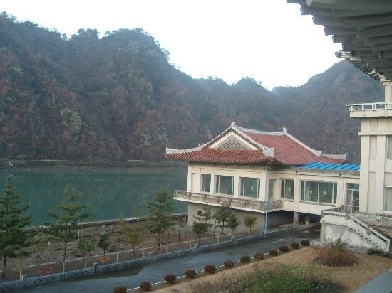 Chongchon Hotel: Mystic river!